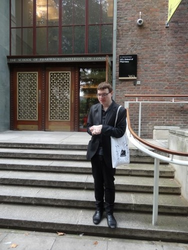 Yannick in front of the School of Pharmacy